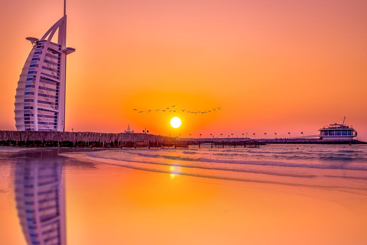 Navegando nos Emirados ~ 28 de Fevereiro ~ MSC